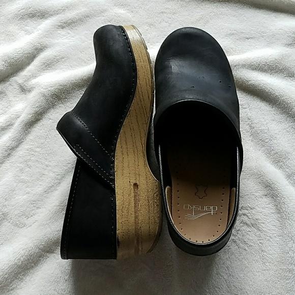 256643aa04 Dansko Shoes - Dansko Professional Clog Black Oil with Light Sole